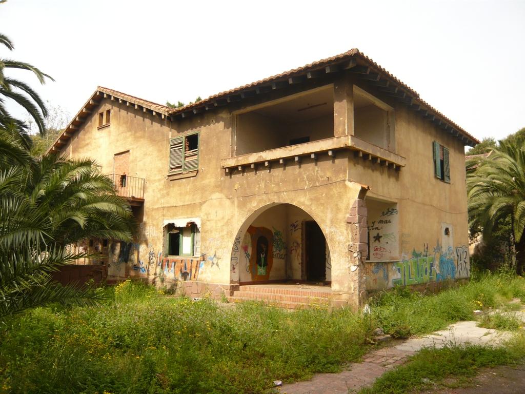 Iniciativa porte a blog archive un nuevo incendio amenaza uno de los antiguos chal s de la - Casas en sagunto ...